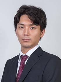 生年月日:1990年1月17日(29歳)<br><br> 出身:宮崎県宮崎市<br><br> 師匠:谷川浩司九段<br><br> <p> </p><br> 将棋フォーカスMCとして活躍。番組の新企画「竜馬が行く」で全国に将棋の普及にあたる。